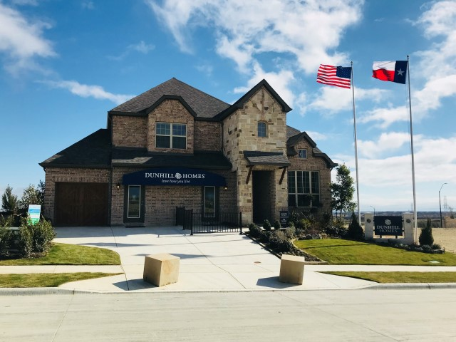 Dunhill Homes in Ventana Fort Worth