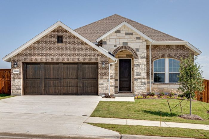 new home in Fort Worth David Weekley Homes